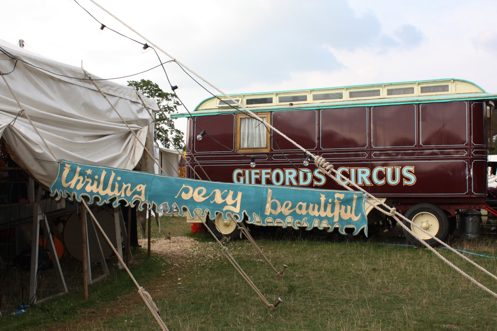 giffords circus the cotswolds