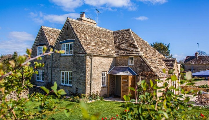 apsley bathurst holiday cottages cotswolds lady