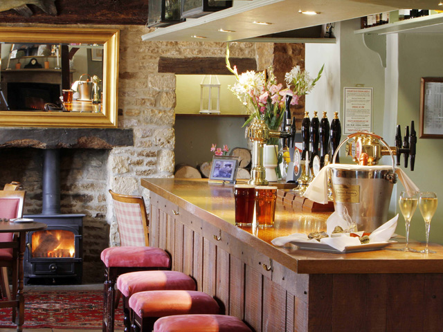the trout inn at tadpole bridge restaurant hotel cotswolds