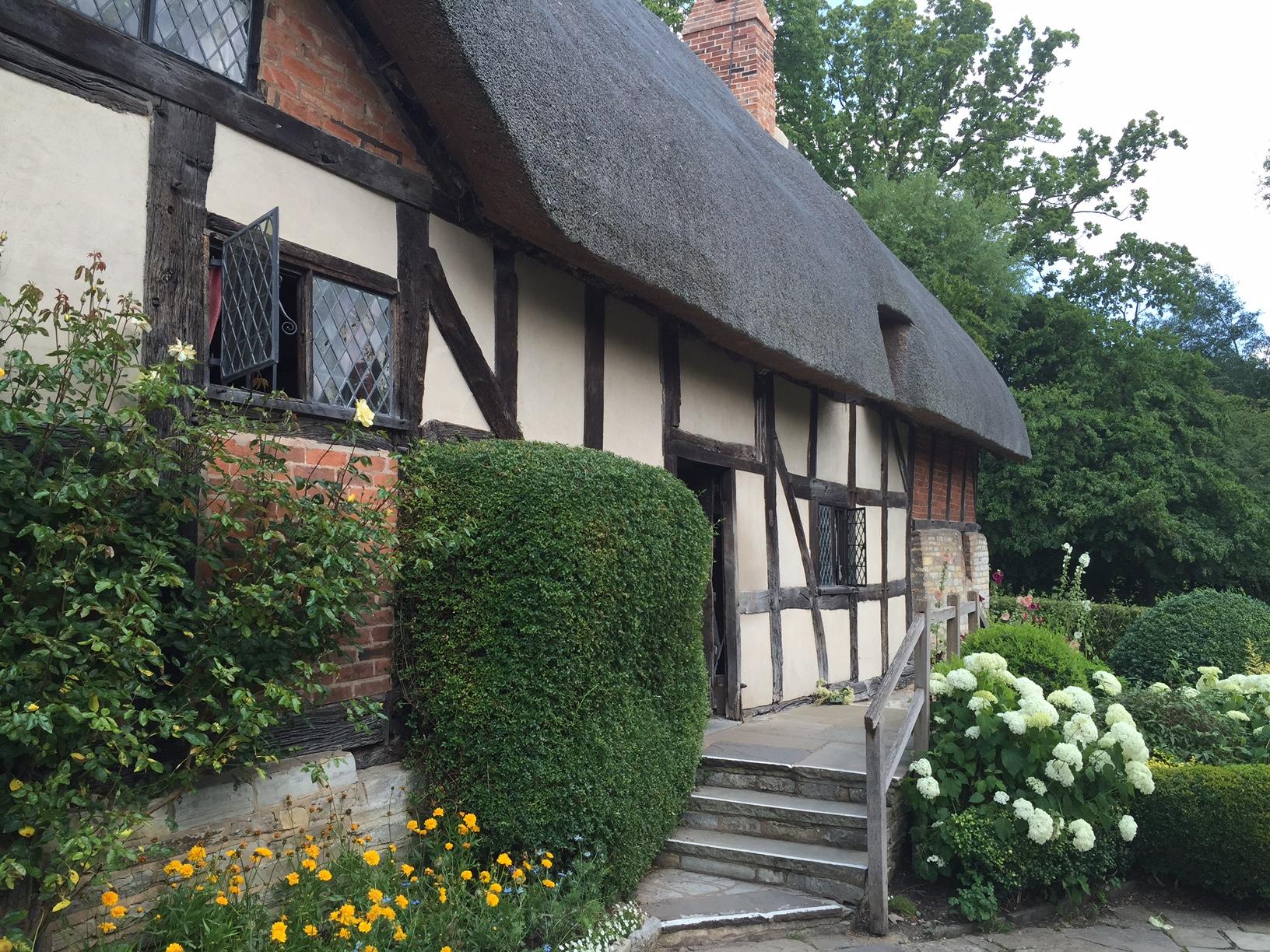 anne-hathaways-cottage-cotswolds-concierge (6)