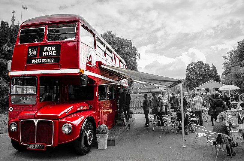 big red bar bus cotswolds