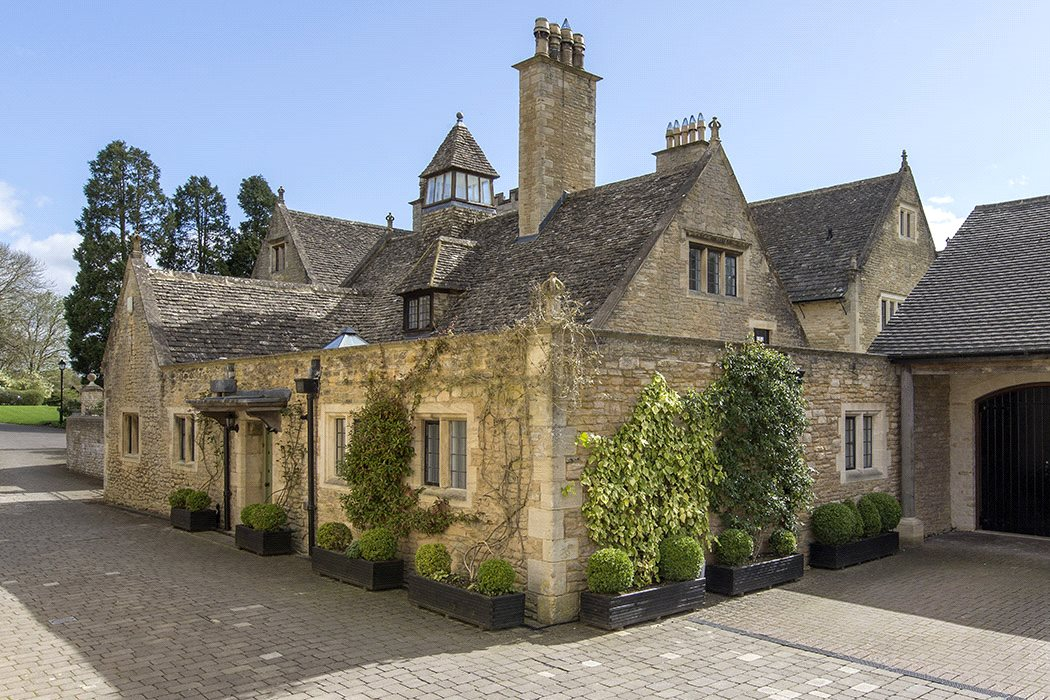 knight frank stow on the wold moving to the cotswolds